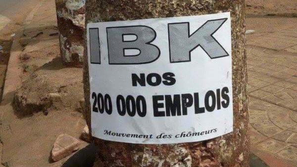 Une affiche collée en 2015 dans les grandes artères de la ville de Bamako par un collectif de jeunes sans emplois pour interpeller le président IBK