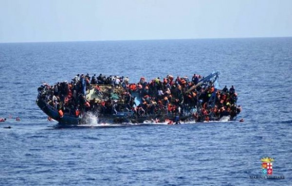 Naufrage d'un bateau de migrant
