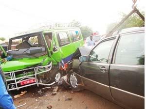 Accident entre une SOTRAMA et une voiture personnelle (image Google)